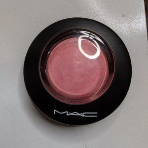 MAC Mineralize Blush in Dainty